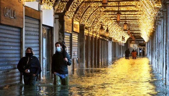 Венеція пішла під воду через помилку в прогнозі: фото затопленого міста