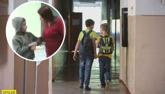 На Львівщині заступниця директора побила школяра на очах у однолітків (відео)