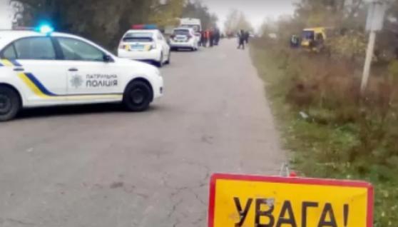 В`їхав у чоловіка, а потім злетів з траси: на Львівщині біля кордону сталась страшна ДТП, є загиблий