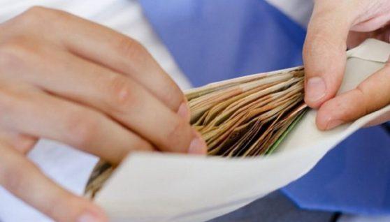 Кому в Україні готові платити понад 100 тис. грн зарплати на місяць