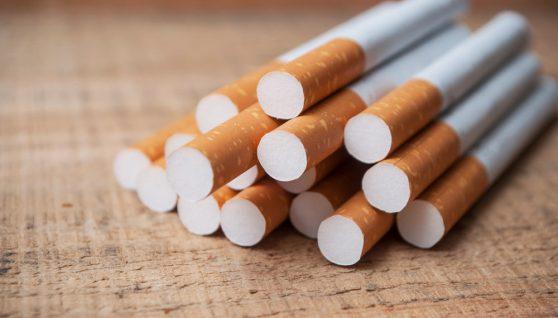 У Польщі на підпільній тютюновій фабриці затримали 5 українців