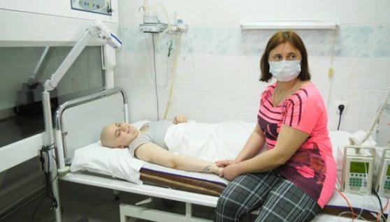 """""""Їй всього-17!!!Моя донечка помирає"""": Мати благає всіх! Врятуйте дівчинку"""