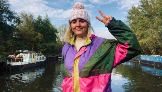 Кинула роботу юриста, на якій заробляла 3 мільйони, щоб жити на човні і каже, що вона – найщасливіша людина в світі