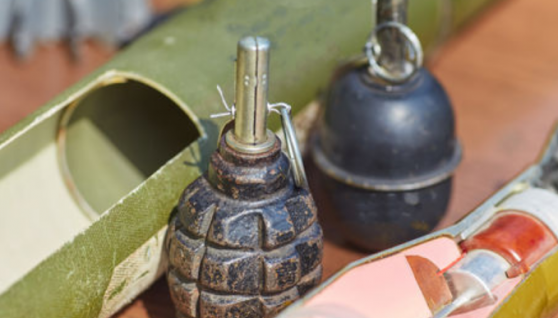 У Дніпропетровській області діти гралися із запалом гранати. Зрештою боєприпас вибухнув