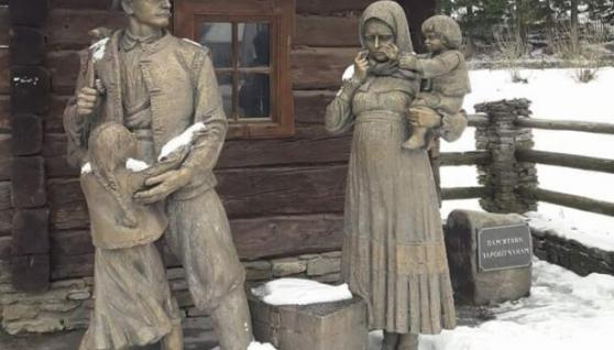 """Українці пом'янули заробітчан, які не повернулися додому: """"Поїздка підзаробити є дорогою в один бік"""""""