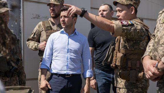 Зеленський і досі не знає, з ким ми воюємо, – військовий про поразки України
