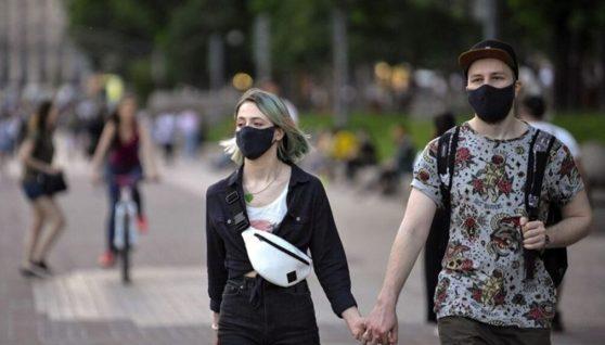Українці будуть ходити в масках до кінця 2021 року, – Шмигаль