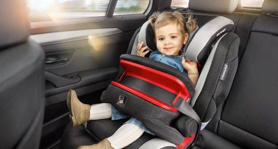 Кабмін схвалив зміни до ПДР, що підвищують безпеку пересування дітей в автокріслах