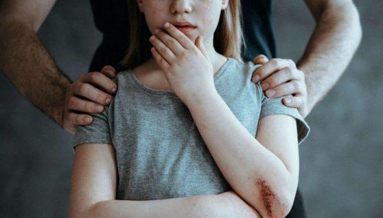 Зґвалтував 11 дівчаток за 15 років: у Львові викрили педофіла, який організовував дитячі табори