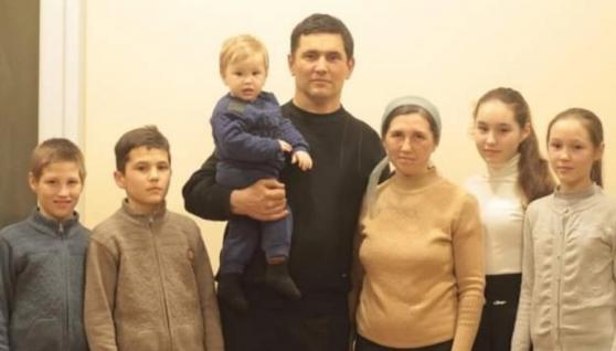 На Одещині 11-річній дитині по плече відірвало руку: батьки проривались через замети на тракторі