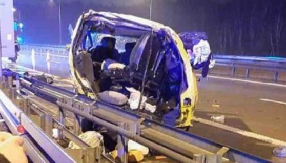 У Польщі розбився автобус з українцями, від удару жінка вилетіла з салону (фото)