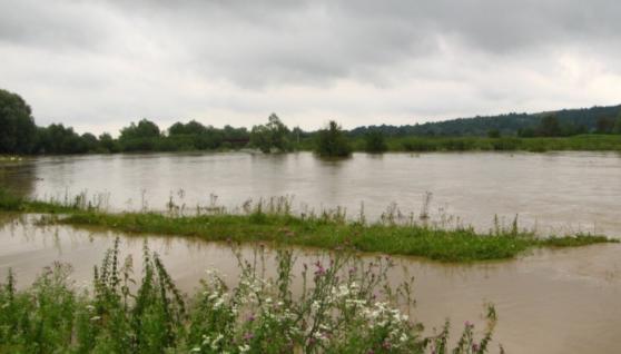 Українців попереджають про потужні паводки