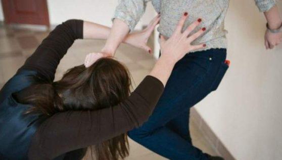 Суд виніс вирок за булінг п'ятьом школяркам з Чернігова: вони жорстоко били однолітків