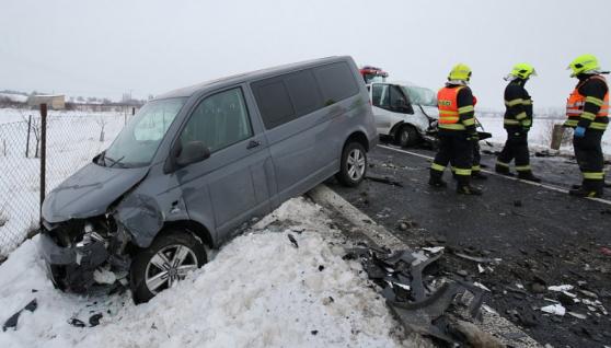 У Чехії зіткнулися два буси та вантажівка: за попередньою інформацією загинуло двоє українців, є поранені