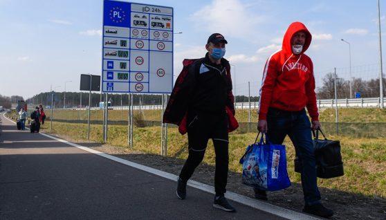 Українцям на замітку: заробітчанам закриють в'їзд на роботу до Польщі