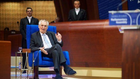 Президент Чехії залишається в реанімації. Сенат розгляне передачу його повноважень